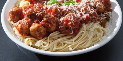 Italienske kødboller med friskhakket persille, hvidløg, parmesan
